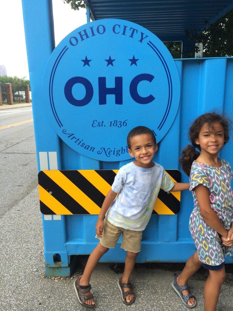 ©ClarendonMoms/Angelica Talan. Logan & Ella exploring Ohio City.
