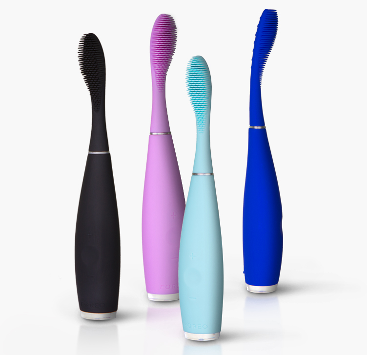 foreo-ISSA-Group-Clarendon Moms