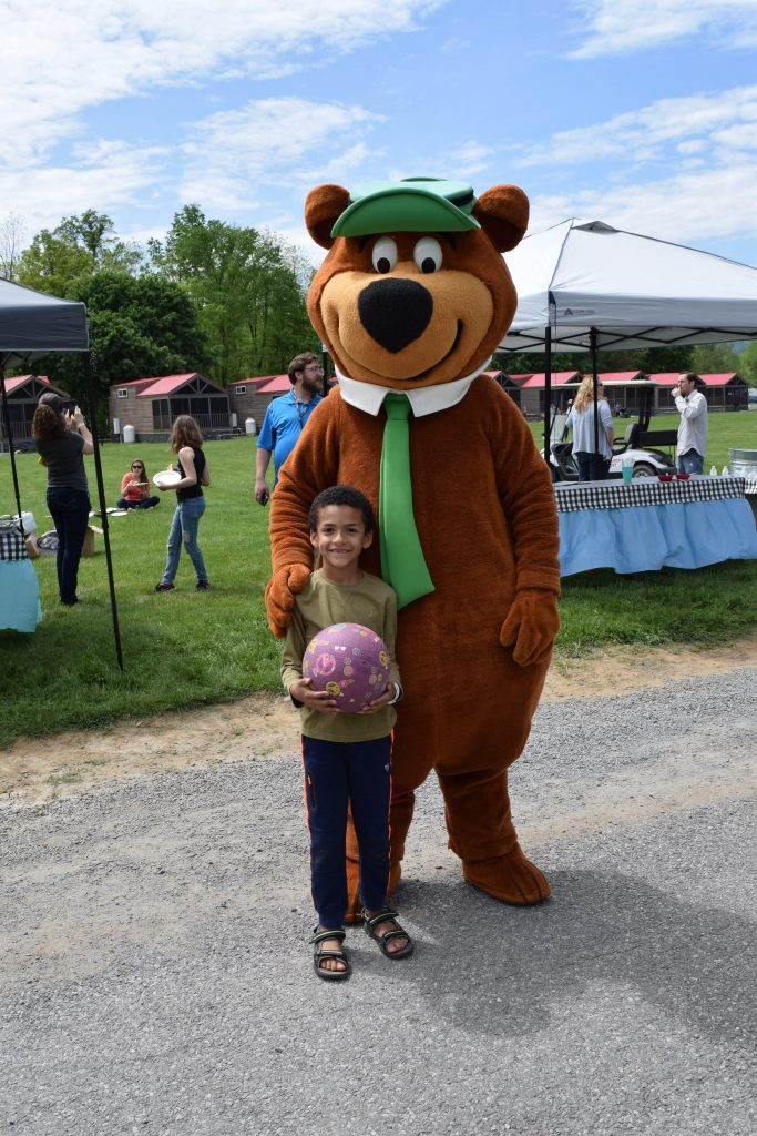 Yogi-Bear-Jellystone-Park-Clarendon-Moms