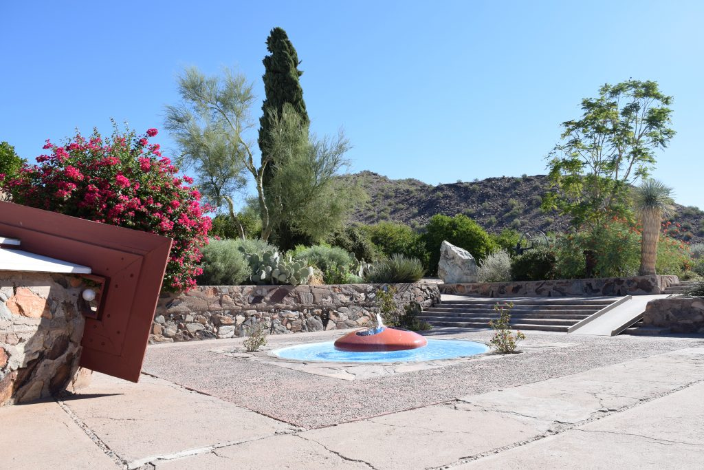 Taliesin_West_Clarendon_Moms