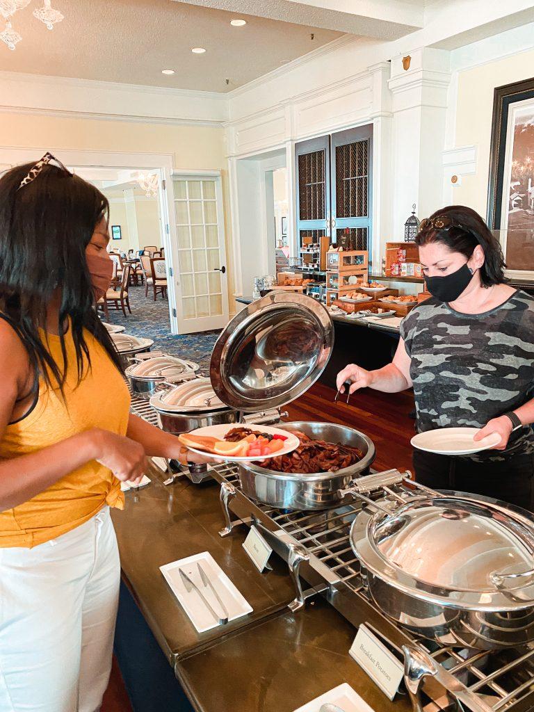 https://www.pinehurst.com/dining/the-carolina-dining-room/